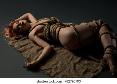 Girl tied naked with rope porn pics
