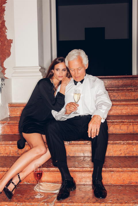 Pic porno old man rich young girl